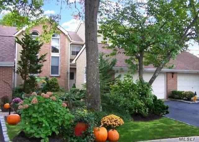 22 Willow Ridge Dr, Smithtown, NY 11787 (MLS #2980316) :: Keller Williams Homes & Estates