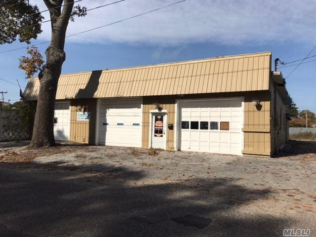 185 Patchogue, Mastic, NY 11950 (MLS #2982923) :: Netter Real Estate