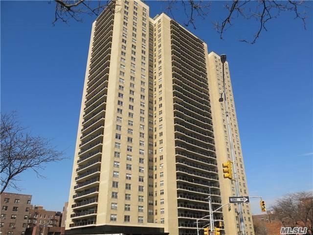 110-11 Queens Blvd 22D, Forest Hills, NY 11375 (MLS #2983126) :: Netter Real Estate