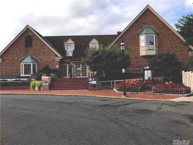 206-14 Emily Rd 42L, Bayside, NY 11360 (MLS #2984974) :: Netter Real Estate