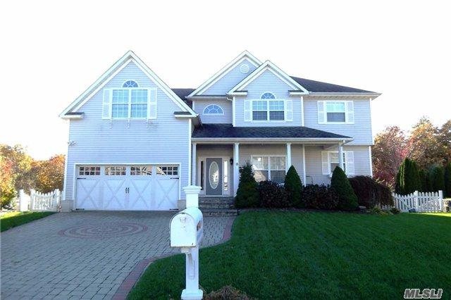 66 Manorview Way, Manorville, NY 11949 (MLS #2985183) :: Netter Real Estate