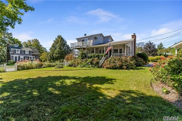 720 2nd St, New Suffolk, NY 11956 (MLS #2985352) :: Netter Real Estate