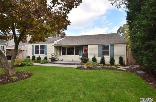 108 Taylor St, Centerport, NY 11721 (MLS #2985438) :: Platinum Properties of Long Island