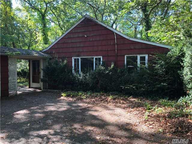 137 Little Neck Rd, Centerport, NY 11721 (MLS #2985838) :: Platinum Properties of Long Island