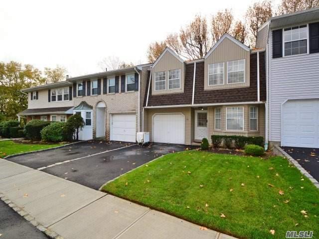 25 Manors Dr, Jericho, NY 11753 (MLS #2986058) :: Keller Williams Homes & Estates