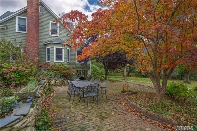 8 Lake St, Setauket, NY 11733 (MLS #2986171) :: The Lenard Team