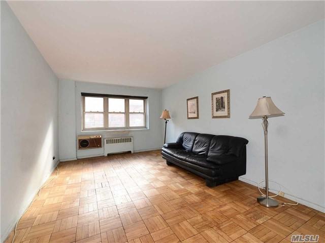 144-60 Gravett Rd 1J, Flushing, NY 11367 (MLS #2986556) :: Netter Real Estate