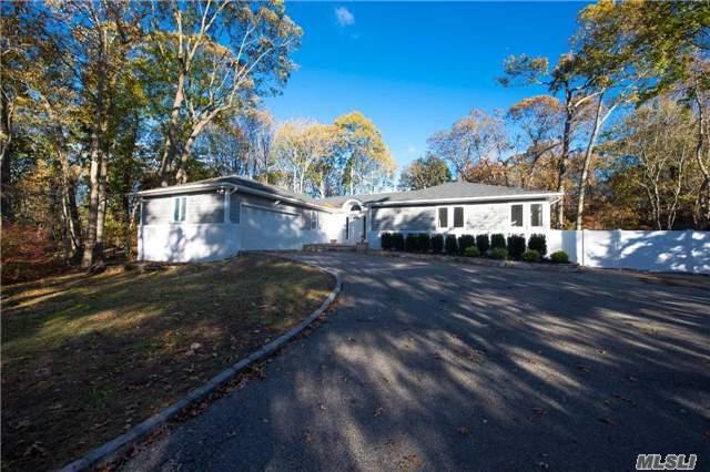 15 Corwin Ct, Dix Hills, NY 11746 (MLS #2986557) :: The Lenard Team