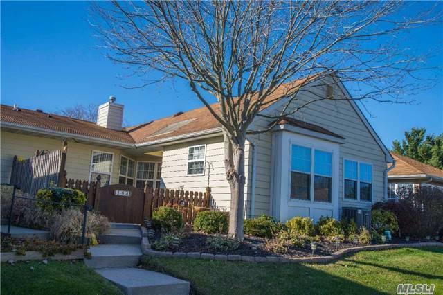 194 Theodore Dr, Coram, NY 11727 (MLS #2986601) :: Keller Williams Homes & Estates