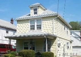 135 Bayview, Port Washington, NY 11050 (MLS #2986893) :: The Lenard Team