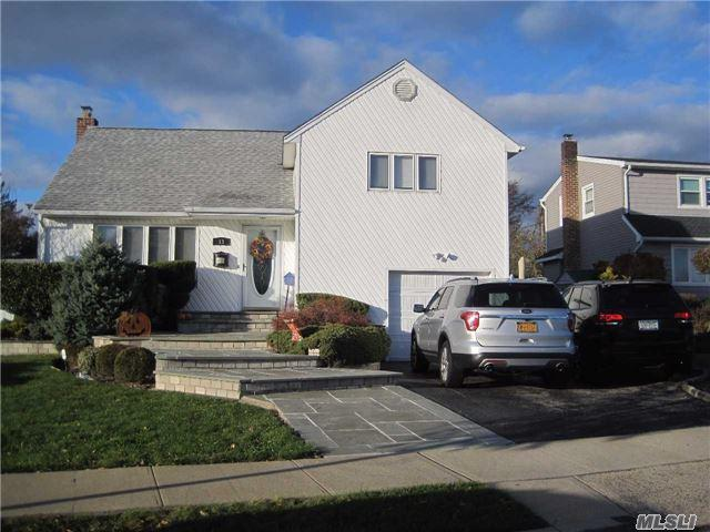 13 N Pine St, N. Massapequa, NY 11758 (MLS #2986934) :: The Lenard Team