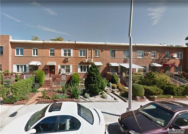 150-55 58 Ave, Flushing, NY 11355 (MLS #2987128) :: The Lenard Team