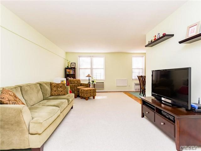 3901 Independence Ave 2J, Out Of Area Town, NY 10463 (MLS #2987944) :: Netter Real Estate