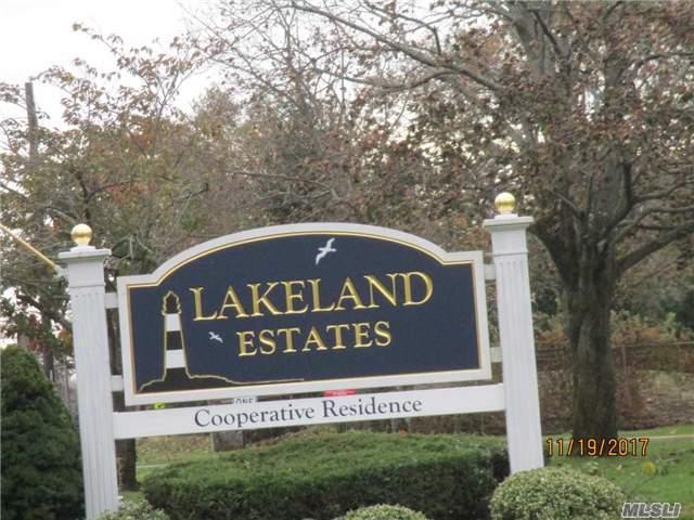 348 Lakeland Ave 8 H, Sayville, NY 11782 (MLS #2988558) :: Netter Real Estate