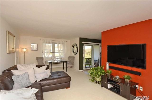700 Broadway #39, Amityville, NY 11701 (MLS #2988587) :: Netter Real Estate