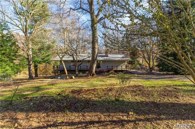 3 Locust Ln, Northport, NY 11768 (MLS #2988823) :: Platinum Properties of Long Island