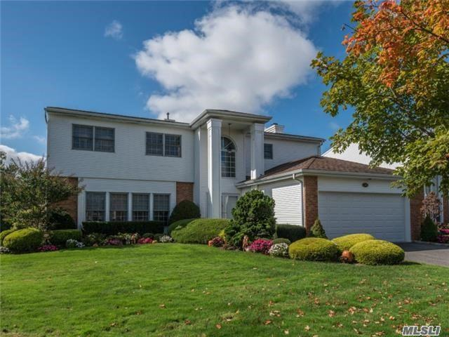 106 Fairway View Dr, Commack, NY 11725 (MLS #2988831) :: Platinum Properties of Long Island