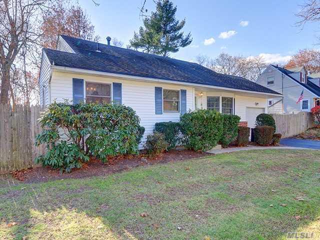 34 Royal Ln, Northport, NY 11768 (MLS #2988992) :: Platinum Properties of Long Island