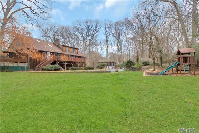 236 Edgewood Ave, Smithtown, NY 11787 (MLS #2988997) :: Netter Real Estate