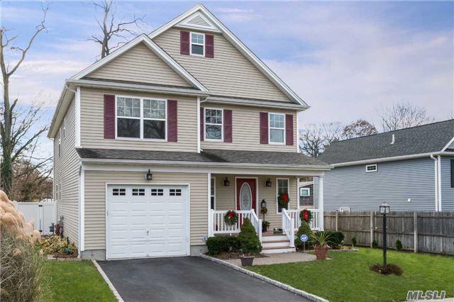 3 Reddy Pl, Huntington, NY 11743 (MLS #2989263) :: Platinum Properties of Long Island