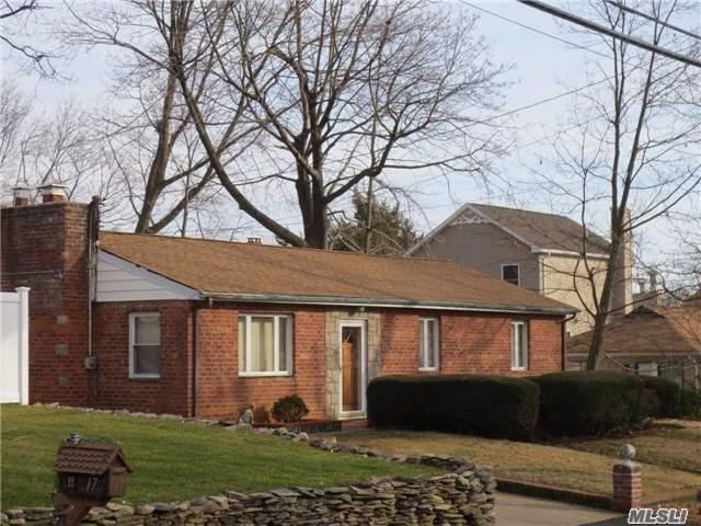 15 West St, Northport, NY 11768 (MLS #2989382) :: Platinum Properties of Long Island