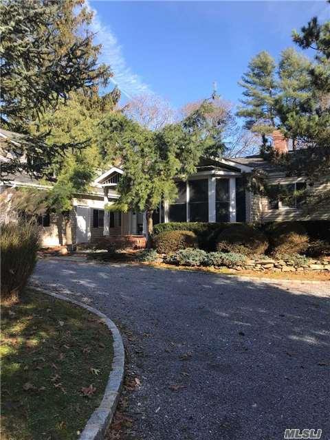 Northport, NY 11768 :: Platinum Properties of Long Island