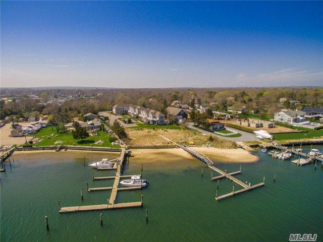 29 Gardners Ln 2B, Hampton Bays, NY 11946 (MLS #2989510) :: Netter Real Estate