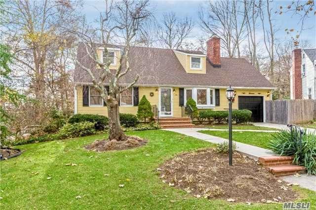 16 Boxwood Ct, Huntington Sta, NY 11746 (MLS #2989809) :: Platinum Properties of Long Island