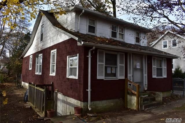 Huntington Sta, NY 11746 :: Platinum Properties of Long Island