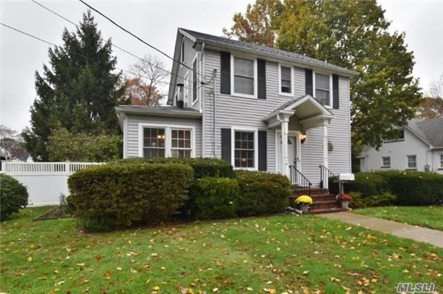 47 E 16th St, Huntington Sta, NY 11746 (MLS #2990380) :: Platinum Properties of Long Island