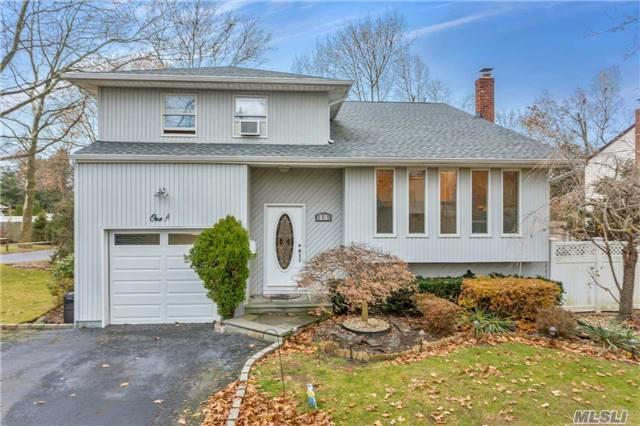 1A Munson Ct, Melville, NY 11747 (MLS #2990609) :: Platinum Properties of Long Island