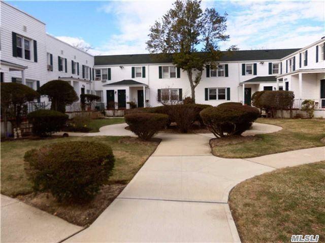 494 S Ocean 2L, Freeport, NY 11520 (MLS #2990674) :: Netter Real Estate