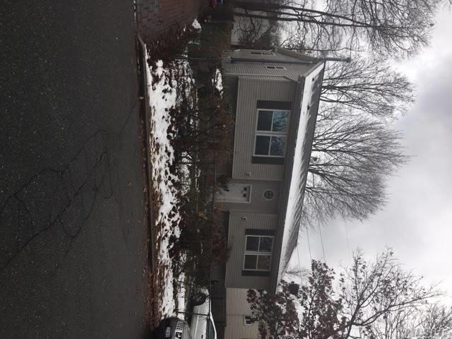 10 Croley St, Huntington, NY 11743 (MLS #2990943) :: Platinum Properties of Long Island