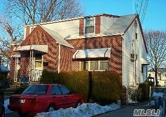 617 Roxboro Ct, East Meadow, NY 11554 (MLS #2990999) :: The Lenard Team