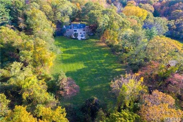 121 Lawrence Hill Rd, Cold Spring Hrbr, NY 11724 (MLS #2991001) :: The Lenard Team