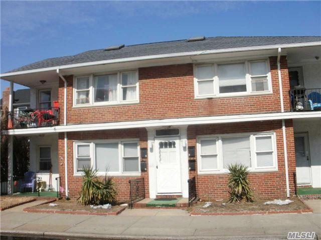 725 E Broadway, Long Beach, NY 11561 (MLS #2991073) :: Netter Real Estate