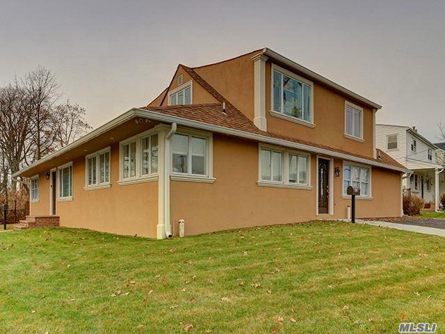 4999 Merrick Rd, Massapequa, NY 11758 (MLS #2991176) :: Netter Real Estate