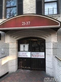 21-37 33rd St 3E, Astoria, NY 11105 (MLS #2991475) :: Netter Real Estate