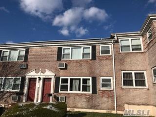 67-60 150 St 425B, Flushing, NY 11367 (MLS #2991589) :: Netter Real Estate