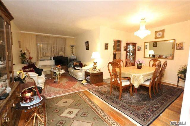 83-35 139 St 5H, Briarwood, NY 11435 (MLS #2992025) :: Netter Real Estate