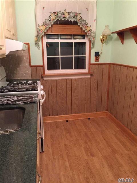 261-29 Langston Ave B, Glen Oaks, NY 11004 (MLS #2993240) :: Netter Real Estate