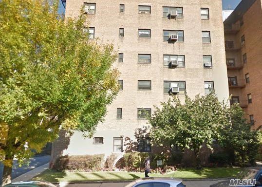 31-65 138 St 1B, Flushing, NY 11354 (MLS #2993389) :: Netter Real Estate