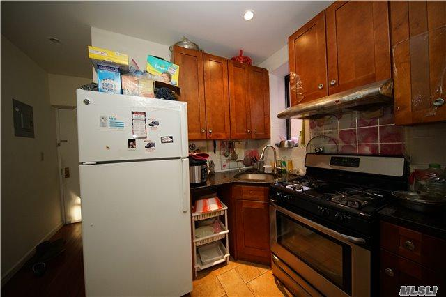 546 55th St #5, Brooklyn, NY 11220 (MLS #2993697) :: Netter Real Estate