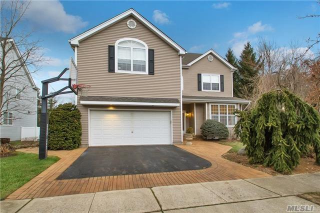 65 Herrels Cir, Melville, NY 11747 (MLS #2993846) :: Keller Williams Homes & Estates