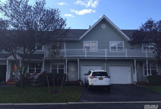 4 Sunwood Cir, Central Islip, NY 11722 (MLS #2994863) :: Netter Real Estate