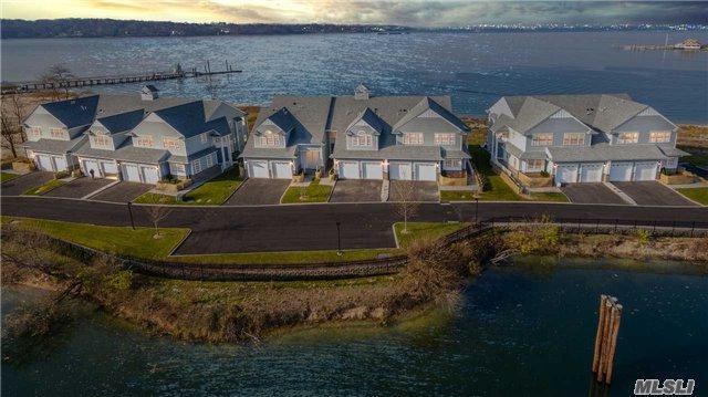 4 Sea Isle Landing, Glen Cove, NY 11542 (MLS #2995015) :: Netter Real Estate