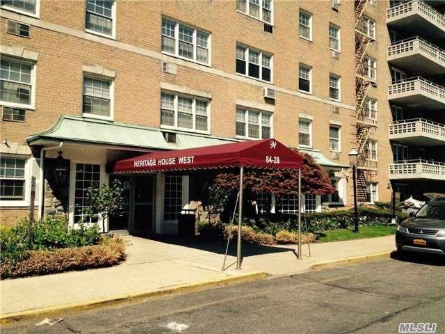 84-29 153rd Ave 2E, Howard Beach, NY 11414 (MLS #2996269) :: Netter Real Estate