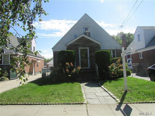 148-06 3rd Ave, Whitestone, NY 11357 (MLS #2996646) :: Shares of New York