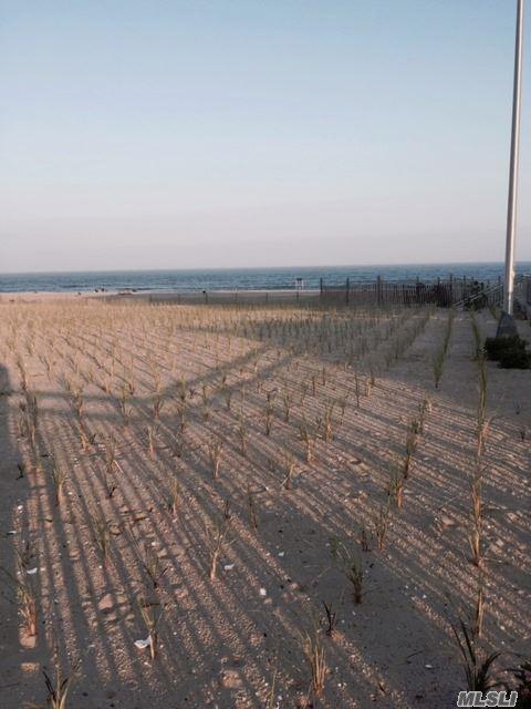 130 Beach 121 1D, Rockaway Park, NY 11694 (MLS #2997385) :: Shares of New York