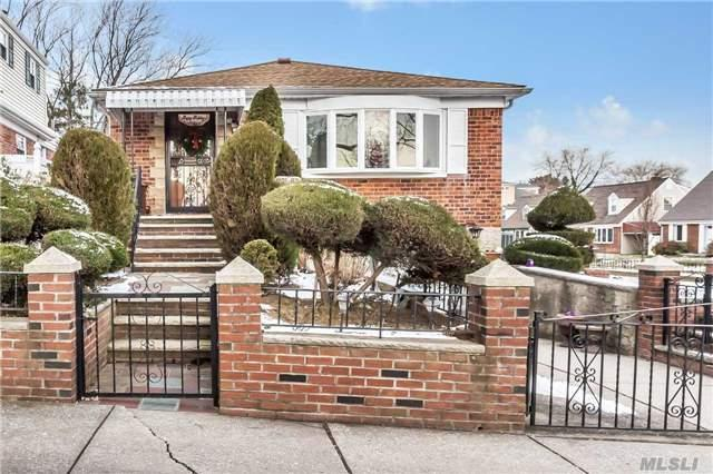 201-27 24 Rd, Bayside, NY 11360 (MLS #2997481) :: Platinum Properties of Long Island